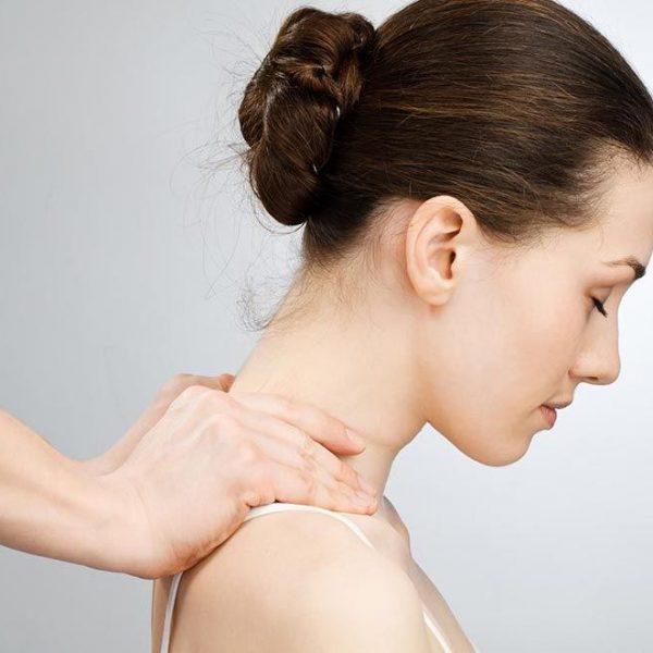 Thitima Phumchaosuan - Nakke, ryg og skulder